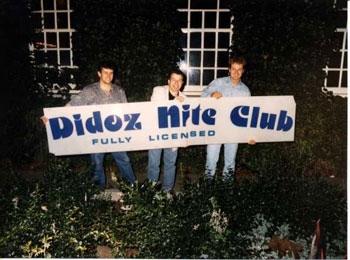 Kev Steed and Louie Martin in 1989 holding the Didoz sign